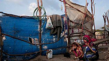 Mieszkańcy jemeńskiego Abyan od dawna żywią się jedynie chlebem i herbatą, wojna domowa sprowadziła na kraj klęskę humanitarną.
