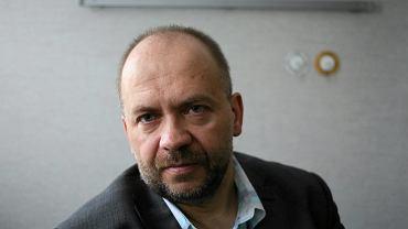 Dr. Marek Bachanki specjalista neurolog dziecięcy. W centrum Zdrowia Dziecka z sukcesami stosował terapię leczniczą marihuana u dzieci chorych na padaczkę