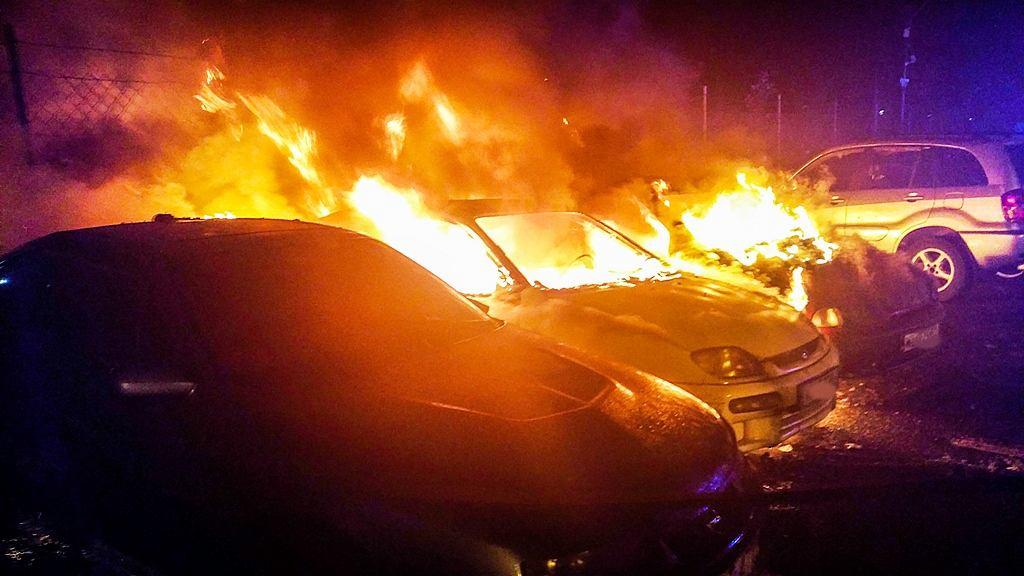 Pożar samochodów na Pradze-Północ