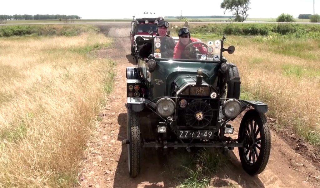 100-letnim Fordem T dookoła świata