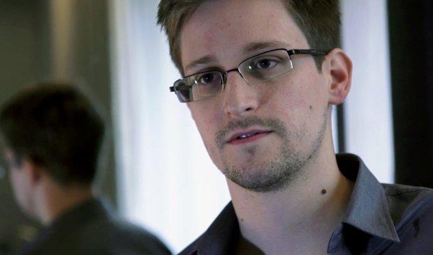 Czy Snowden zgodzi� si� na propozycj� azylu w Wenezueli? Przekonuje, �e USA to dobry kraj