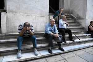 Młodzi Grecy utrzymują się z... emerytur