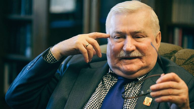 Lech Wałęsa w swoim biurze w Gdańsku