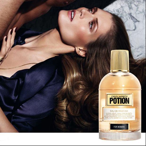 """Ma�gosia Bela w kampanii perfum DSQUARED2 """"Potion"""""""
