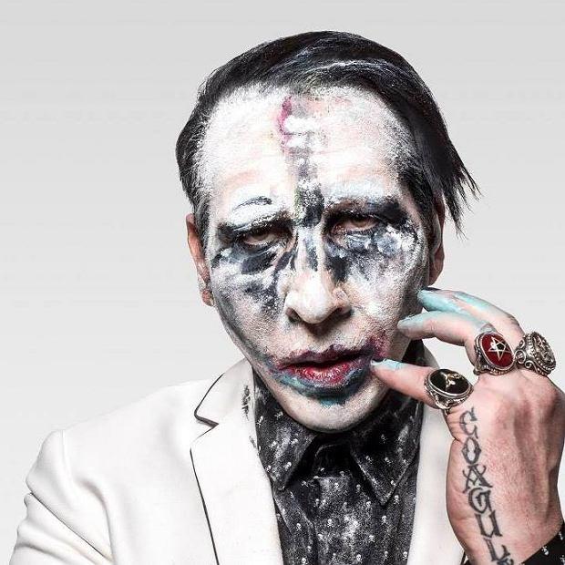 """Lider zespołu Marilyn Manson złożył swojemu przyjacielowi wypowiedzenie. Była dziewczyna basisty oskarżyła go o gwałt. """"Życzę mu wszystkiego dobrego"""" - powiedział Manson."""
