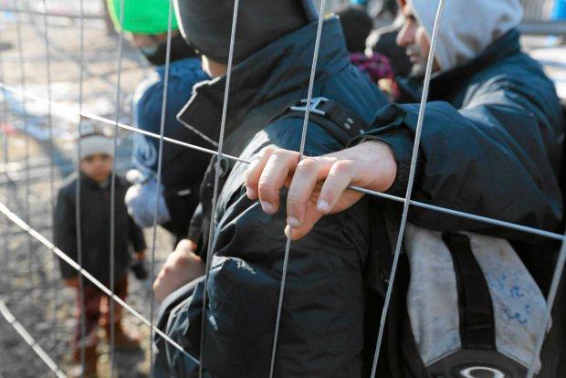 Uchod�cy na granicy s�owe�sko-austriackiej