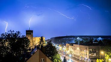 Pogoda na 'piątek': burze i upały w całym kraju
