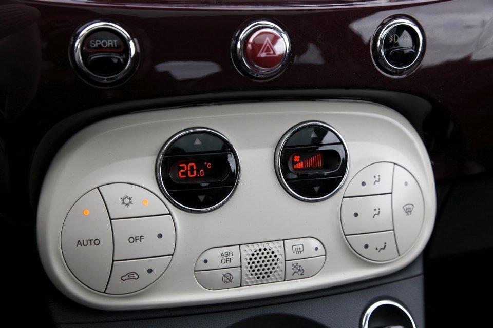 031101aabe4464 105 мотор Fiat 500-это быстрый и подвижный ребенок. Идеально подходит для  городского движения. Фиатик быстро реагирует на газ, охотно разгоняется, ...