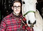 Podkuwacz koni: W podwarszawskich stajniach pe�no jest smutku
