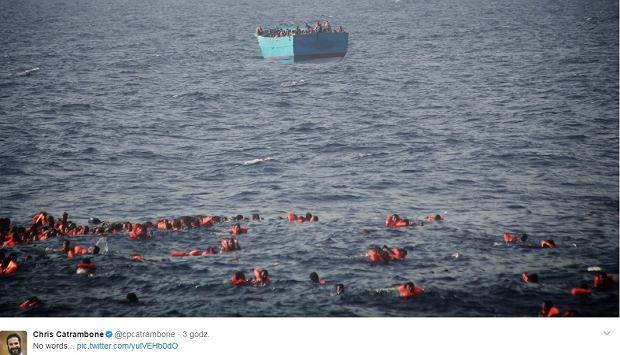 """""""To nie scena z horroru"""". Dziesiątki ludzi, w tym dzieci, właśnie utonęły w Morzu Śródziemnym"""