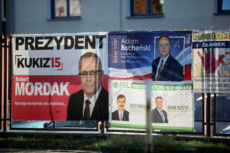 Wybory 2018 w Radomiu. Banery kandydatów w wyborach prezydenckich i do Rady Miejskiej