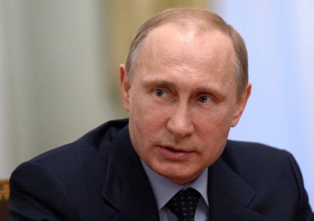 """Putin do Rady Federacji: """"Wycofać zgodę na użycie wojsk Rosji na terytorium Ukrainy"""""""