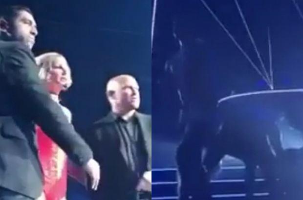 Britney Spears została ewakuowana ze sceny po tym, jak wtargnął tam potencjalnie niebezpieczny mężczyzna. Zanim pojawiła się ochrona, napastnika powalili tancerze.