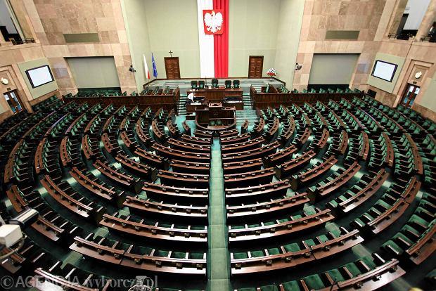 Nie b�dzie zakazu handlu w niedziel�. Sejm odrzuci� projekty