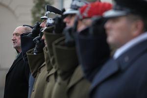Macierewicz zagubiony na wojnie z systemem, czyli wojskowe roszady pana ministra