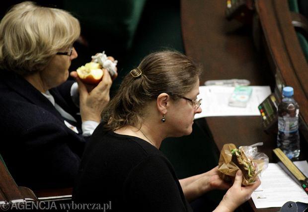 Dieta poselska w Sejmie [Gdzie jedzą nasi parlamentarzyści?]