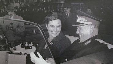 Marszałek Josip Broz-Tito (1892-1980) z żoną Jovanką (1924-2013) na zdjęciu z 1962 r. Tito był gwarantem jedności kraju. Miał twardą rękę, silną osobowość i nie było mu po drodze z demokracją i liberalizmem.