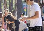 Mila Kunis i Ashton Kutcher na lodach z córką. Spójrzcie na jej bluzkę! Chyba wiemy, od kogo to prezent