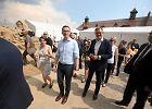 """Kariera """"na szofera"""", czyli po co premierowi Morawieckiemu pełnomocnik ds. rozwoju gospodarczego?"""