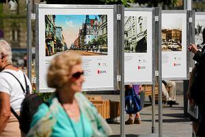 """Otworzyli�my wystaw� na katowickim rynku i trzymamy kciuki za """"Ma�y Pary�"""""""