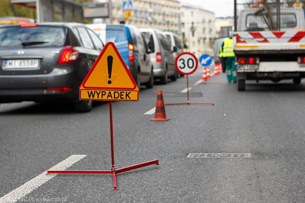 Wypadek w Piechowicach. Duże utrudnienia w ruchu drogowym na trasie Szklarska Poręba - Jelenia Góra