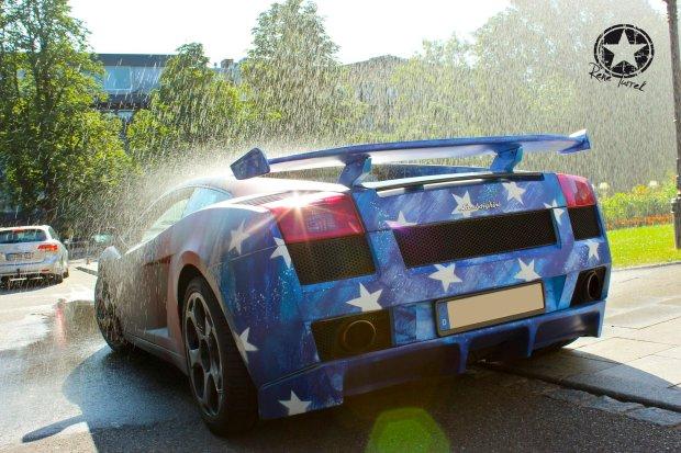 Lamborghini jak Hot Wheels. Zmienia kolor pod wp�ywem...