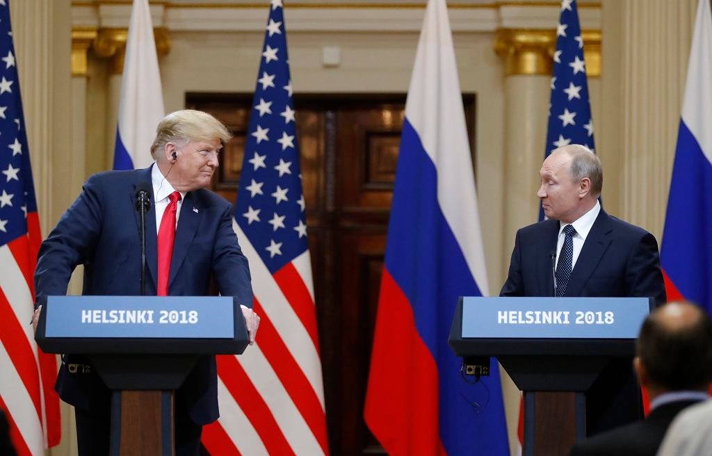 Donald Trump i Władimir Putin na wspólnej konferencji prasowej