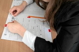 Uczniowie nie pisali egzaminu. Kurator ustali, kto zawini�