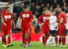 Smutni pi�karze reprezentacji Polski po pora�ce na Wembley