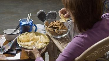 Kompulsywne objadanie to nie tylko problem z jedzeniem czy dietą, ale przede wszystkim emocjami