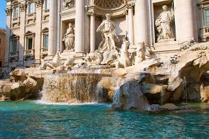 Turysta z Polski wspiął się na słynną fontannę di Trevi. Wysokość grzywny sprowadziła go na ziemię