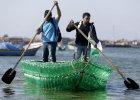 """Łódka z plastikowych butelek? Młodzi Palestyńczycy walczą o normalność. """"Jeśli mieszkasz w Gazie, to znaczy, że jesteś uwięziony"""""""