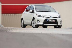 Toyota Yaris Hybrid - test | Za kierownic�