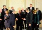 Wa��sa i Gorbaczow dostali owacje na stoj�co w Berlinie. Politycy podali sobie r�ce