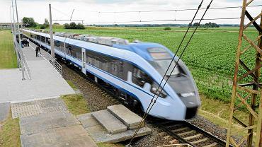 Pociąg Pesa Dart podczas testów.