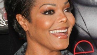 50-letnia Janet Jackson jest w pierwszej ciąży.  Ojcem dziecka jest 42-letni maż piosenkarki