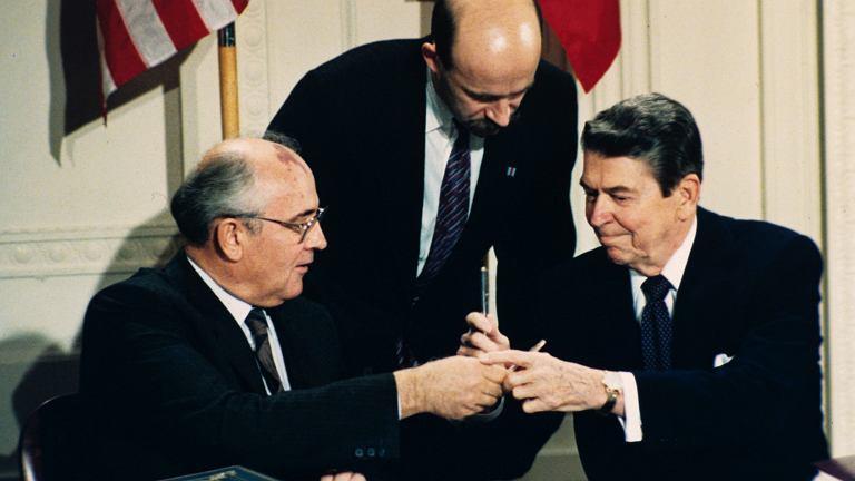 Ronald Reagan i Michaił Gorbaczow w 1987 roku