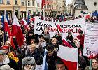 13.03.2016 Kraków, Rynek Główny. Pikieta KOD
