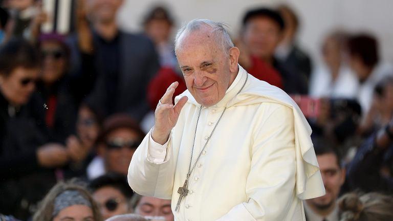 Papież Franciszek oskarżony o szerzenie herezji