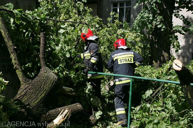 Nawałnice nad Polską. Są ranni strażacy, przez Bogaczewo przeszła trąba powietrzna