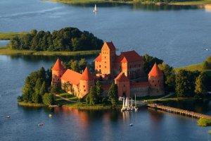 Troki - jedno z najpiękniejszych miejsc na Litwie. Spokój, zieleń, bliskość Wilna i wyśmienita kuchnia