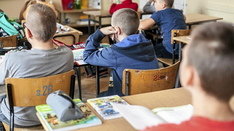 Na lekcji - zdjęcie ilustracyjne