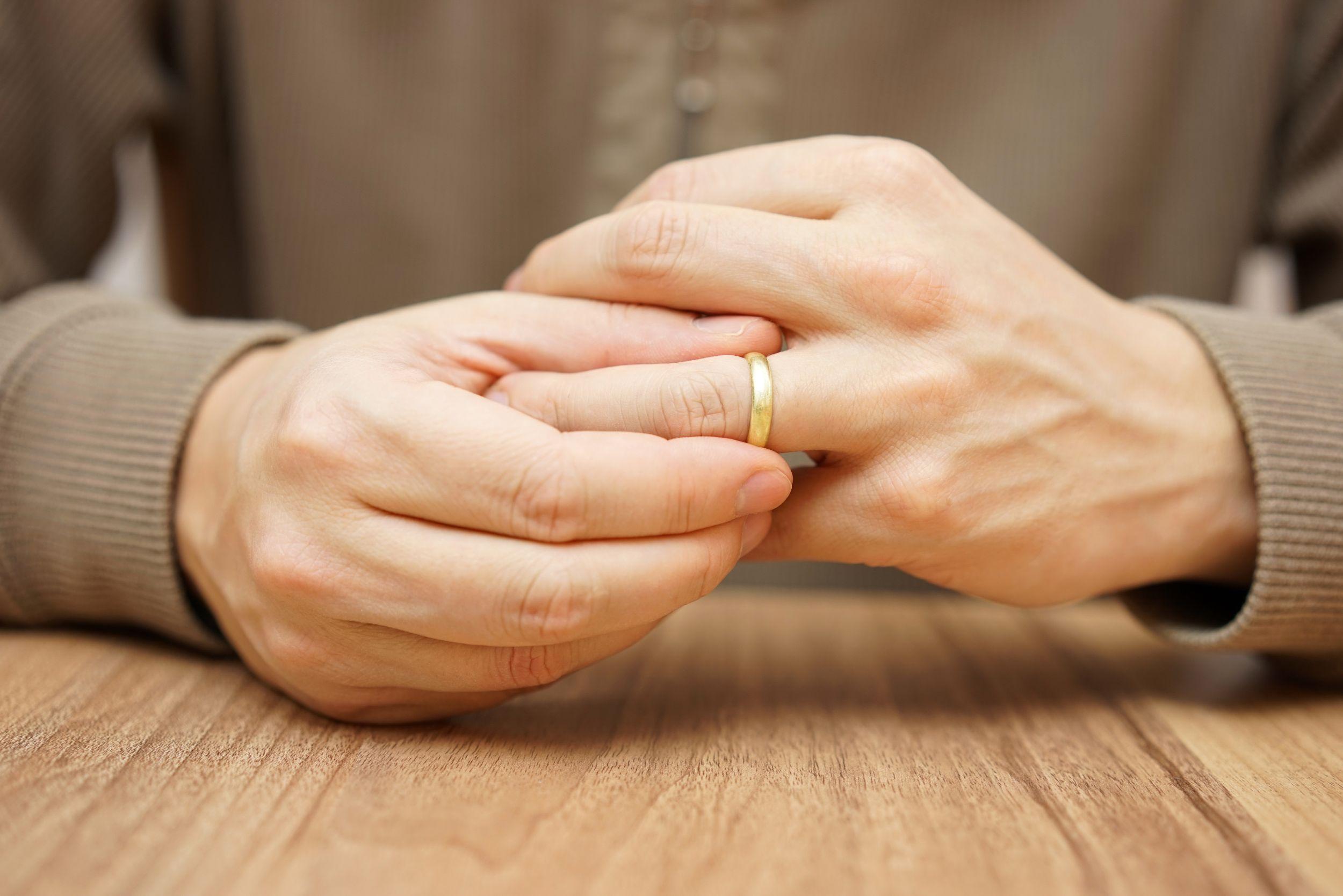 By wyleczyć związek po zdradzie w terapię muszą być zaangażowane obie strony - zdradzona i zdradzająca (fot. Shutterstock.com)
