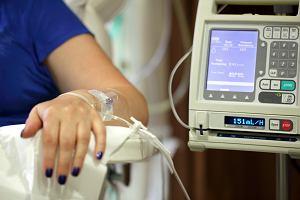 Chemioterapia - co to jest, jak działa, jakie są jej rodzaje? Skutki uboczne chemioterapii