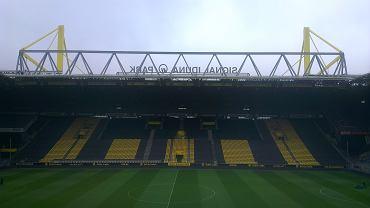 19.10 na Signal Iduna Park Borussia Dortmund zmierzyła się z Hannoverem 96 w ramach 9. kolejki Bundesligi. Przy okazji tego meczu wybraliśmy się do Dortmundu wraz z młodzikami Arki Gdynia i Widoku Skierniewice, drużyn, które zostały wylosowane spośród uczestników Minimistrzostw Deichmann 2013 w piłce nożnej.