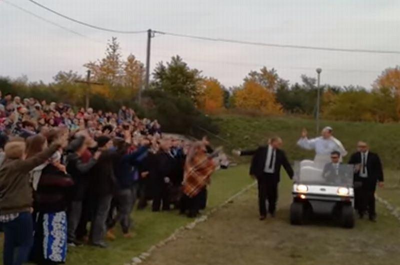 Parafianie Z Ostrowa Odegrali Zamach Na Papieża To Nagranie Zapada