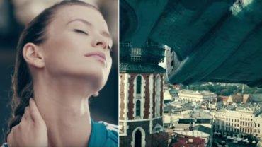 XXI wiek. Smok Wawelski atakuje Krak�w. Miasto nie wie, �e ma super bro�. Nowy film Bagi�skiego - zobacz!