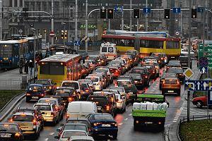 Przystanek Miasto. Mieszczan coraz mniej, korków coraz więcej. Suburbanizacja zagrozi polskim miastom?