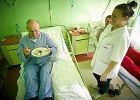 Pacjent�w szpitala spod �odzi karmi restauracja trzygwiazdkowego hotelu - za kas� NFZ