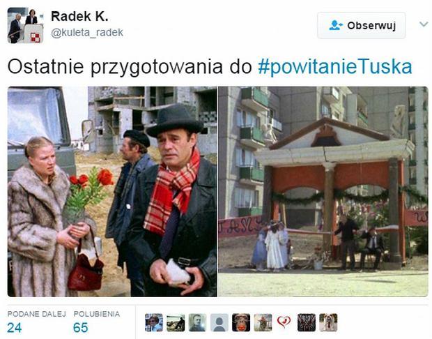 Donald Tusk przyjechał do Warszawy pociągiem. To powitanie przejdzie do historii [MEMY]